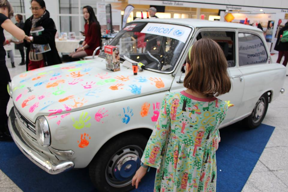 Daf Car Handprints
