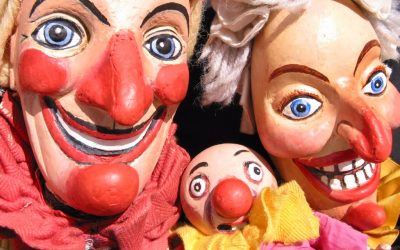 STET The English Theatre present a free puppet show at the Fair